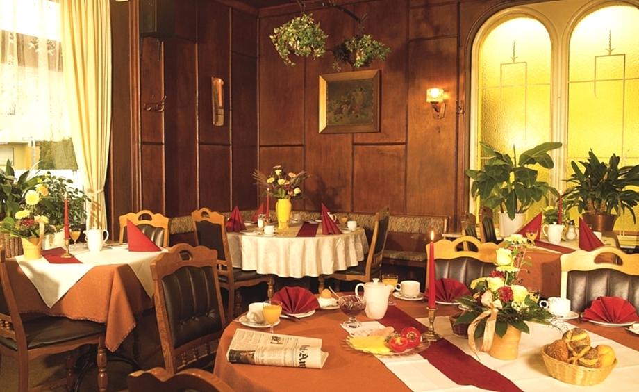 Frühstücksbuffet, Schönsitz - Hotel Garni - in Königswinter